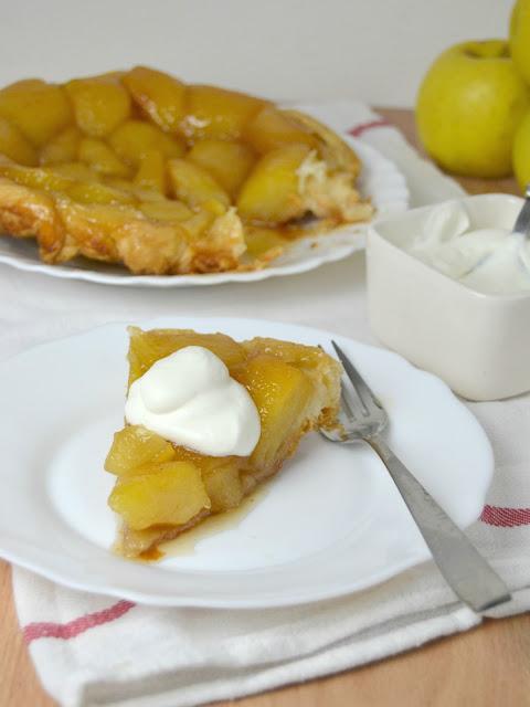 Tarta tatin de manzana con hojaldre