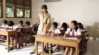 Gaji 400 Ribu Untuk Mencerdaskan Anak Bangsa