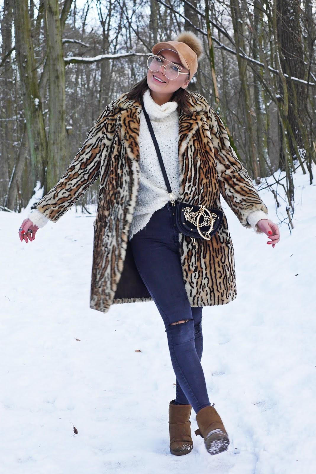 leopard print fur outfit look winter white sweater karyn blog modowy blogerka modowa modowe stylizacje ciekawy blog o modzie