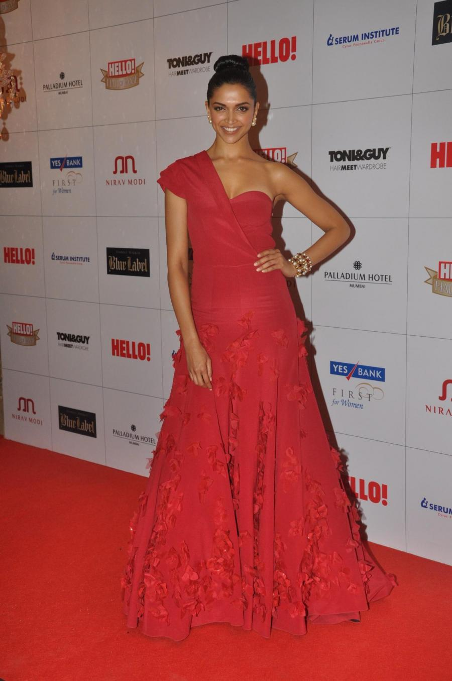 Deepika Padukone In Red Gown At Fame Award
