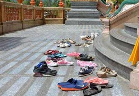 मंदिर से जूते-चप्पल चोरी होने से समझ लीजिए अब यह भी होगा Mandir se jute chori hone ka matlab
