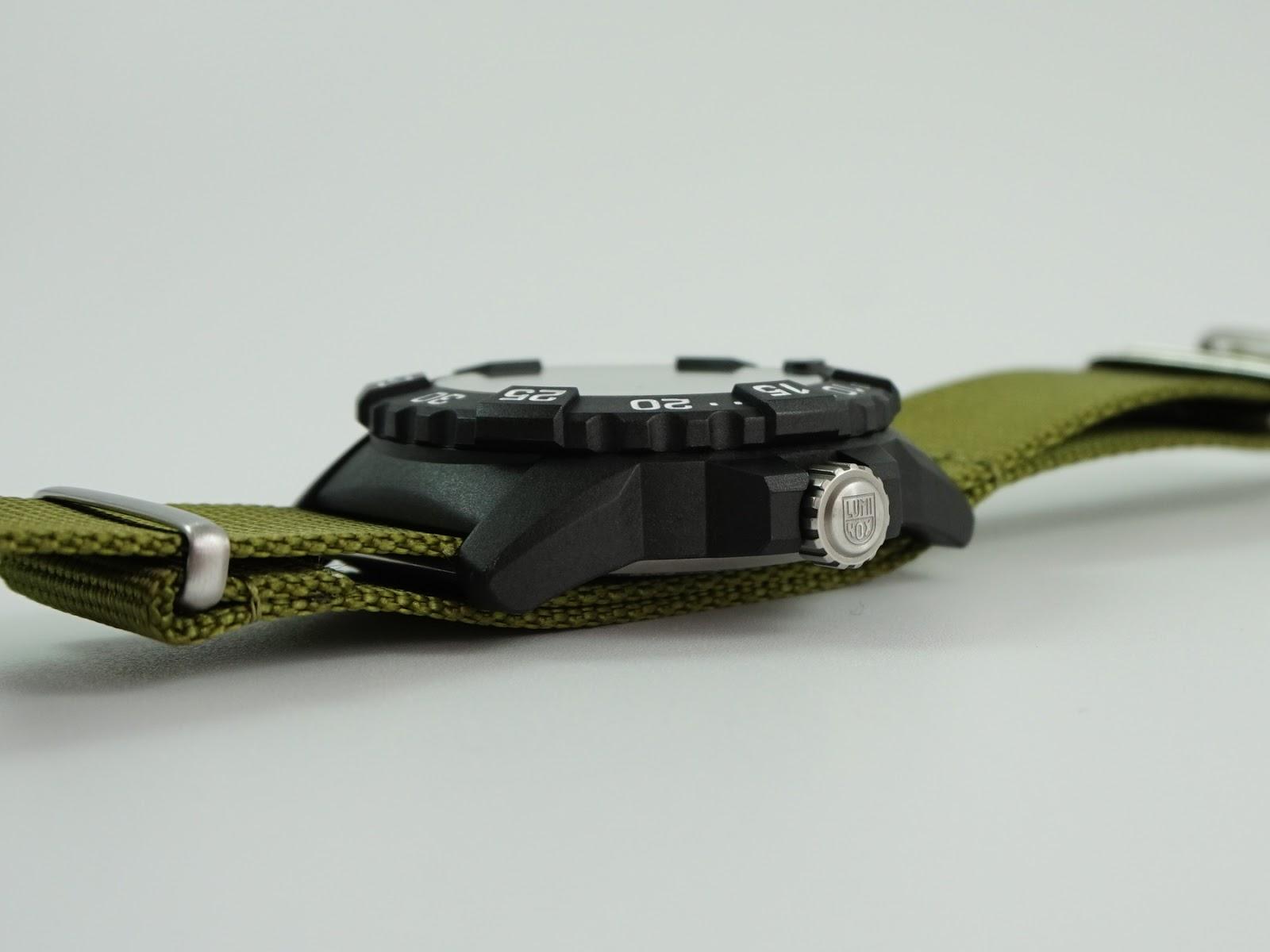 OceanicTime: LUMINOX Navy SEAL 3500 SERIES Ref. 3517 Vs ...
