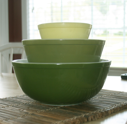 green Pyrex bowl