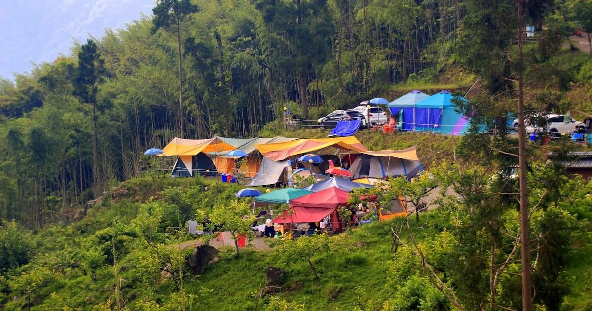 新竹五峰 - 格步霧露營區 - 順著樂哈山前的道路走下去。就到了 :: 阿舍的精彩生活