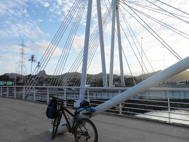 Ponte da Passagem, chegando a Vitória no fim da tarde. Foto Gilson Soares, 2014.