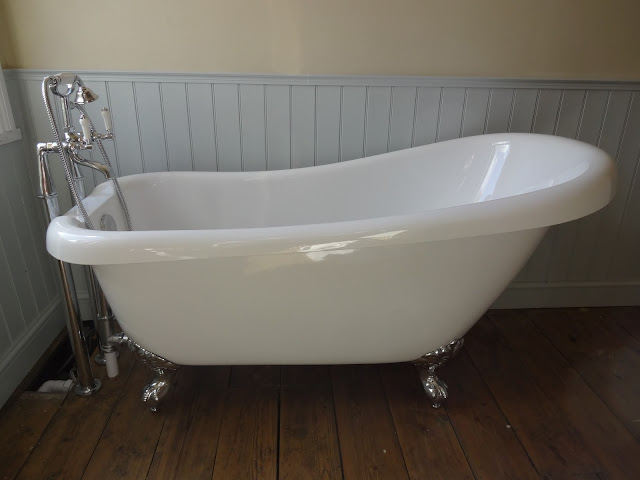 Winchester Small Slipper Bath