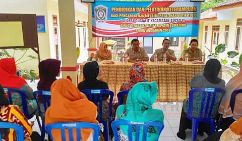 Pembukaan Pendidikan dan Pelatihan Keterampilan Batik Tulis