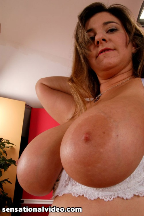 Charming big boob worship recommend