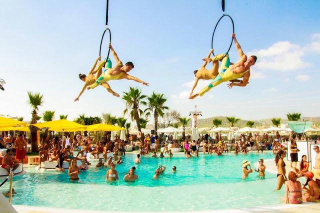 Festas no Ocean Beach em Ibiza