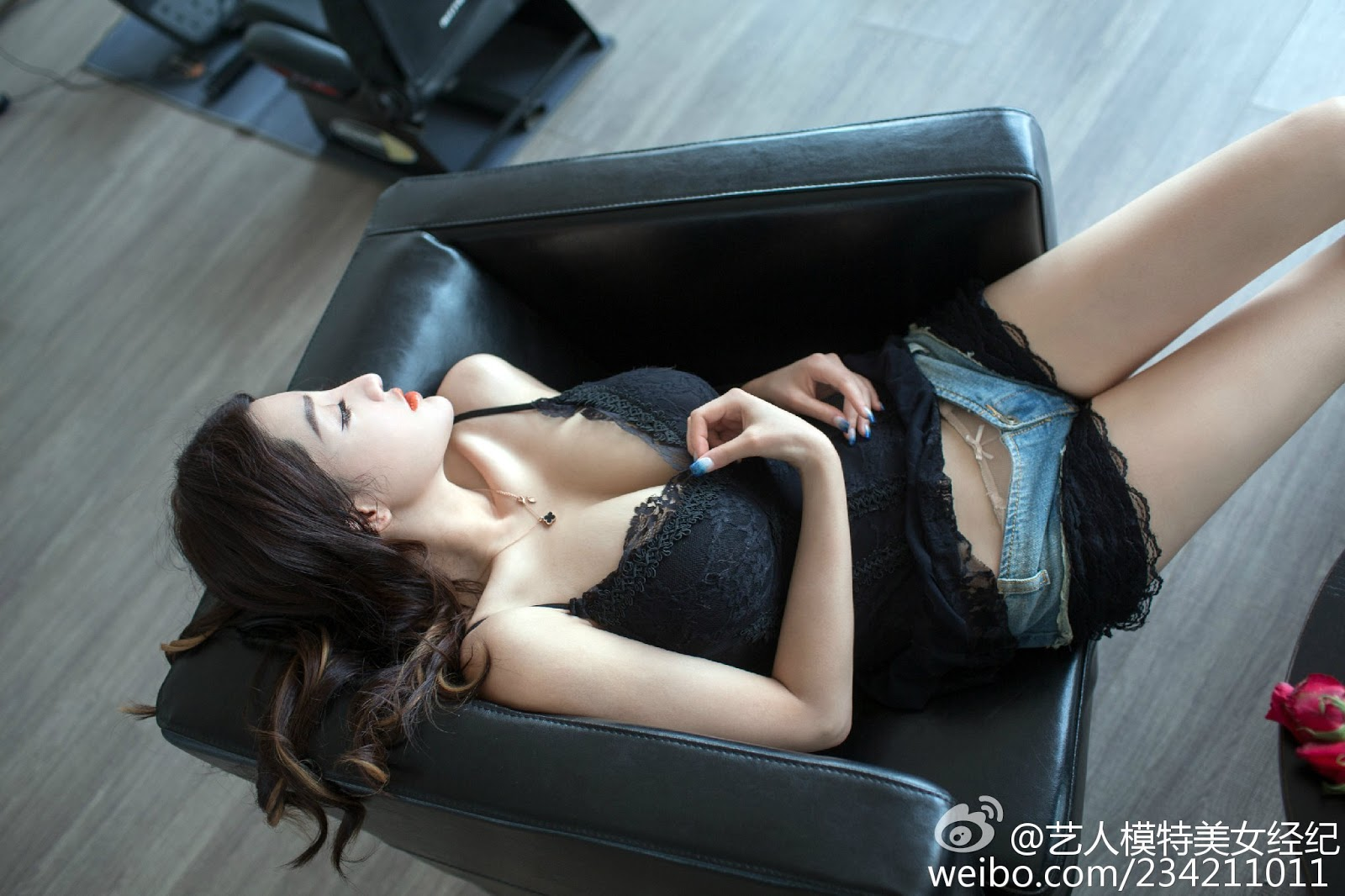 Superb Busty Chinese Mai Ping Guo 麦苹果 Perfect Nude Model