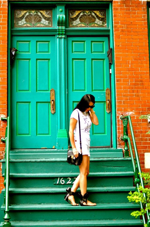 t+j Designs Je t'aime Tee, American Eagle Shorts, Aminah Bow Sandals