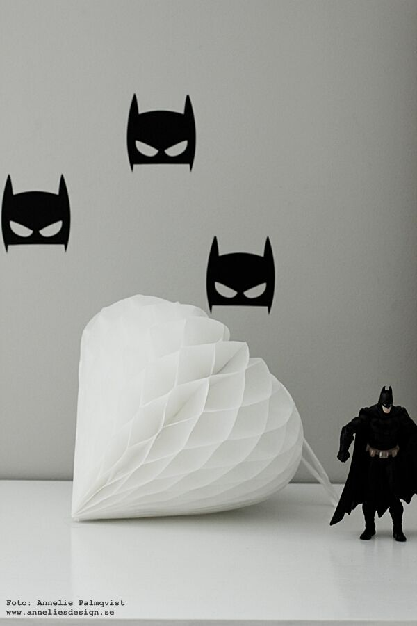 batman, väggstickers, stickers, vägg, väggar, wallstickers, batmanfigur, batmanfigurer, batman papperspåse, handmålat, handmålade, påse, påsar, webbutik, webbutiker, webshop, inredning inredningsbutik, näthandel, anneliesdesign, annelies design, interior