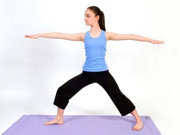 Gerakan Yoga untuk Mengecilkan Lengan dan Paha