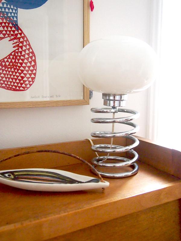 les moustachoux restaurer un fauteuil eames lampe ingo. Black Bedroom Furniture Sets. Home Design Ideas