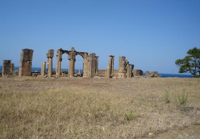 Les traces encore vivantes de civilisations passées.
