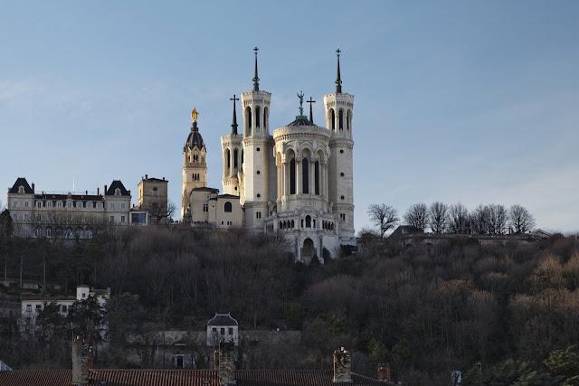 Basílica de Fourvière em Lyon no outono