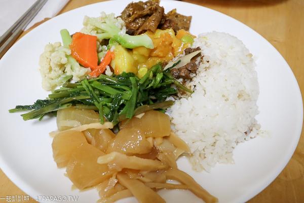 玉品香素食麵|彰化埤頭平價素食|菠菜麵|牛蒡麵|埤頭郵局對面