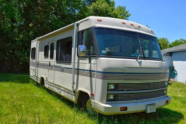 Used RVs 1989 Chevrolet Winnebago P30 Camper For Sale by Owner