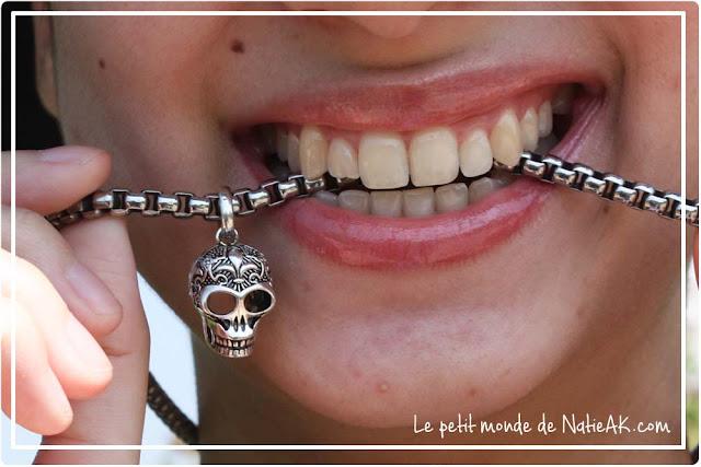 bijou avec pendentif crâne avec ornement style mexicain