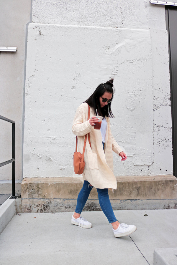 Circle Cross Body Bag Spring Casual Outfit Trend