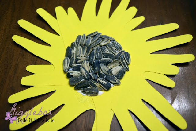 handmade sunflowers, handmade sunflowers for Teacher's Appreciate Week, handmade sunflowers for Mother's Day, handmade sunflowers for any occasion, crafting with kids, gift ideas that kids can make,