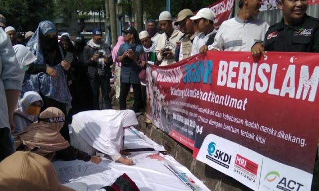 Protes di Kedubes China, Massa Aksi 2112 Galang Dana untuk Muslim Uighur