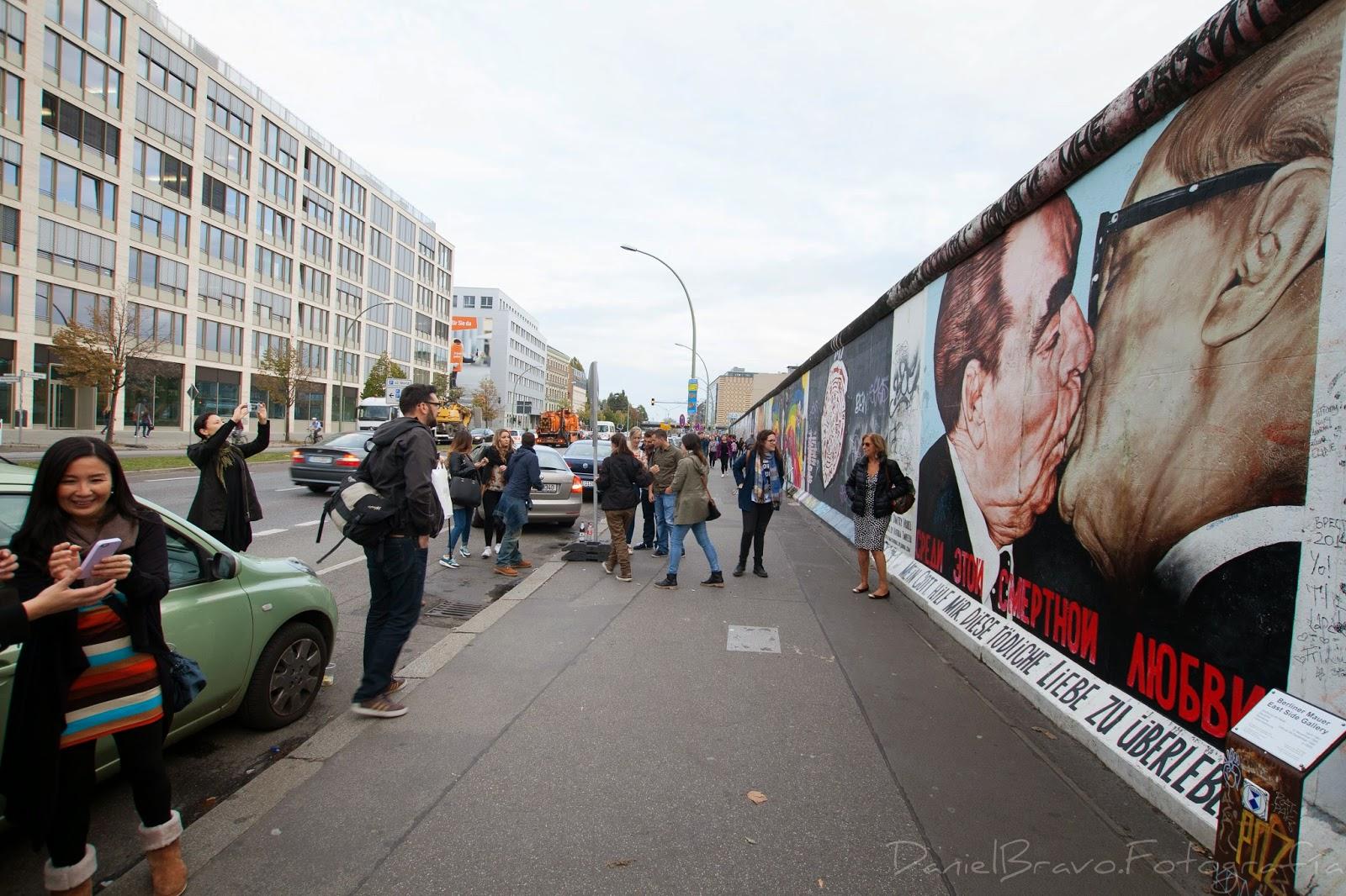 East Side Gallery, muro de Berlín, grafiti, graffity, pintura mural, Berlín, muro, turistas, fotos, Berlin