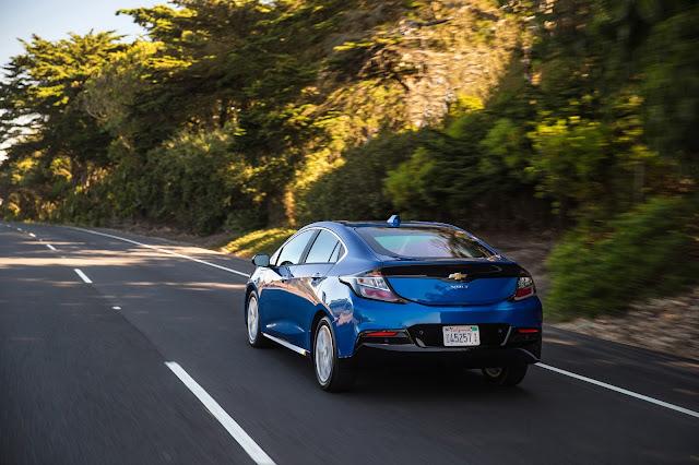 Rear 3/4 view of 2016 Chevrolet Volt