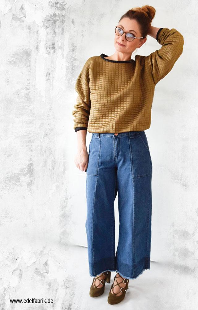 Ü40 Mode, Jeansculotte, Velourssandaletten und Sweater
