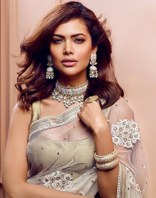 Esha Gupta for Hazoorilal Jewellers