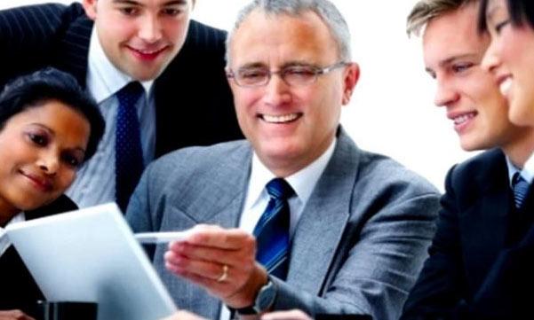 Cara Menjadi Atasan/Bos yang Baik, Berwibawa, dan Disukai Bawahan
