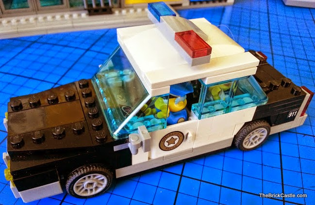 Simpson's Kwik E Mart  LEGO Chief Wiggum Police Car Build