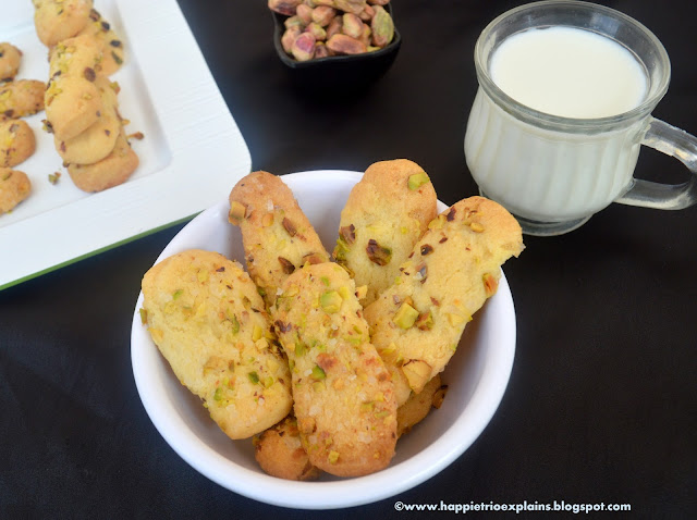 Pistachio Log cookies