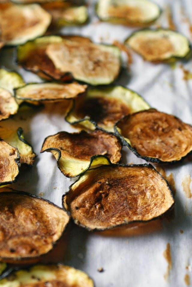 Zucchini Chips | thetwobiteclub.com