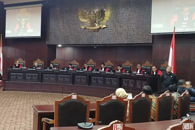 Wah, Mahfud MD Duga Ada Lobi Politik di Balik Putusan MK Menangkan DPR
