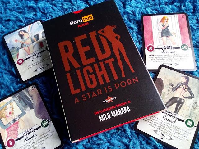"""""""Red Light"""" Immanuel Casto gioca coi film porno"""