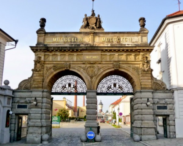 Entrada de la Fábrica de Cerveza Pilsner Urquell (Pilsen, República Checa)
