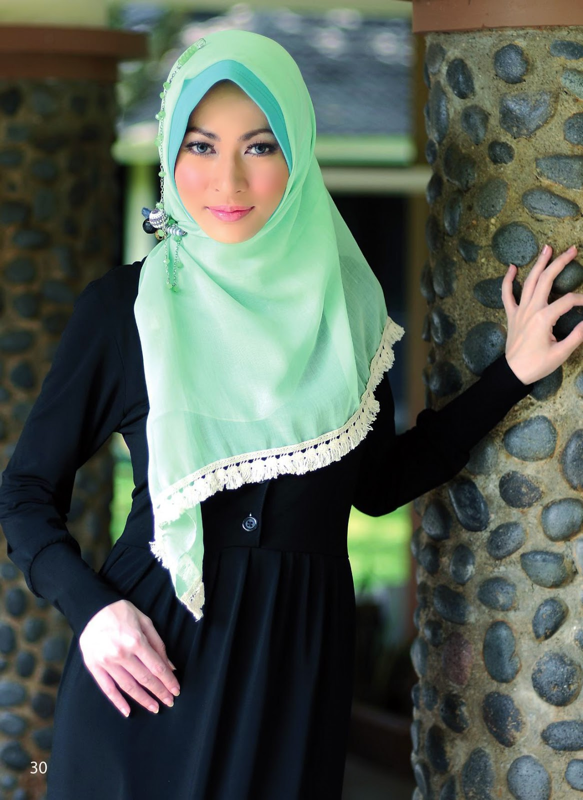 4 Gaya Kerudung Segiempat Klasik Modis Chic Dan Simple Serta Cara