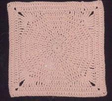 http://crocheteandoconimaginacion.blogspot.com.es/2014/01/cuadrado-partir-de-un-circulo-crochet.html