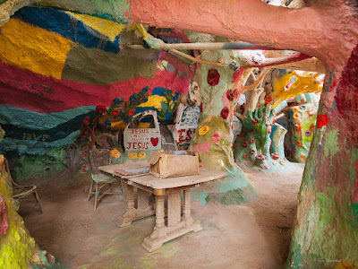 Interior de Salvation Mountain