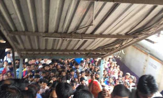 stampede-at-mumbai-eliphinstone-station