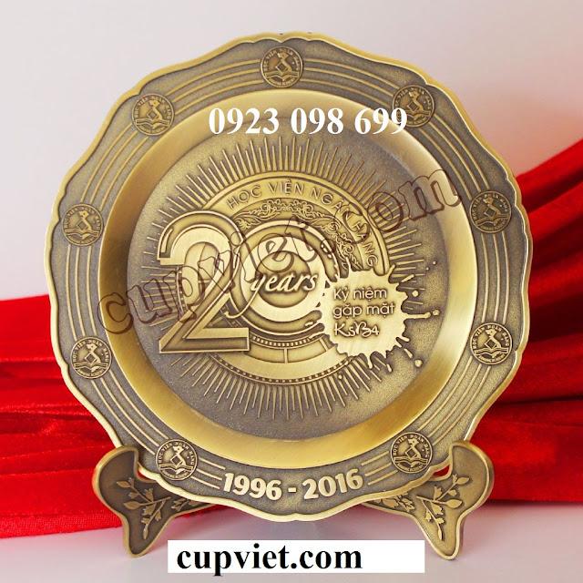 Hoa, quà, đồ trang trí:  cung cấp bằng chứng nhận, sản xuất quà tặng truyền thốn Dia_dong_duc