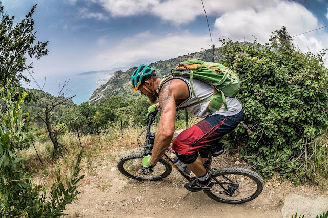 Mountainbiken am Meer Italien MTB