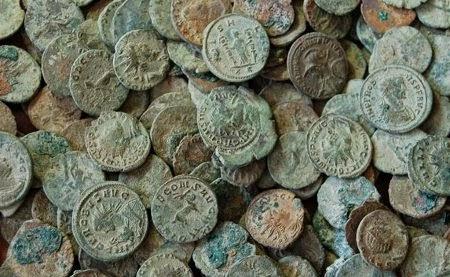 Monedas romanas y sucesion necesaria