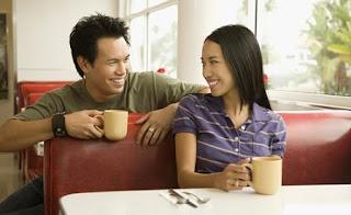 Les MEILLEURS sujets de conversation pour draguer une fille (exemples pratiques)