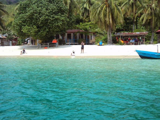 10 Tempat Wisata di Padang yang Mengagumkan