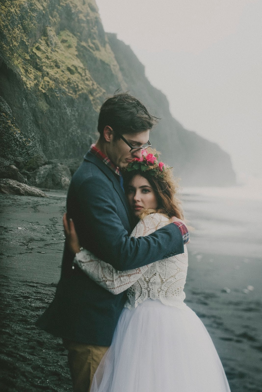 Vík, wedding, black, sand, beach, elopement, LARK, LACE, blog