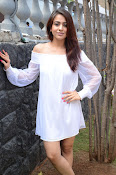 Aksha latest sizzling photo shoot-thumbnail-7
