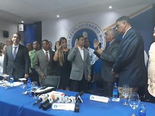 PRM juramenta al Diputado Luis Sánchez, una Regidora y decenas de dirigentes del PRD de la provincia Santo Domingo.