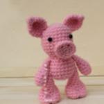 http://www.amigurumitogo.com/2017/08/crochet-pig-free-pattern.html